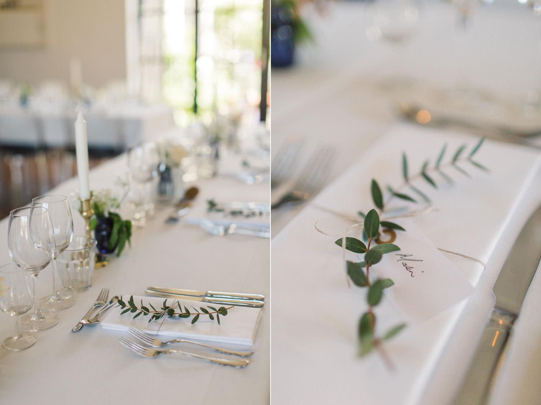 Bröllopsdukning på Idala Gård utanför Trelleborg, Skåne. Bröllopsfotograf är Tove Lundquist. Florist är Gouteva, Malmö.