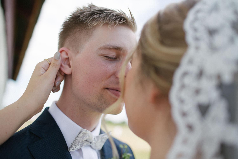 Bröllopsporträtt vid Smygehuk, Skåne. Foto: Tove Lundquist, bröllopsfotograf Smygehuk.