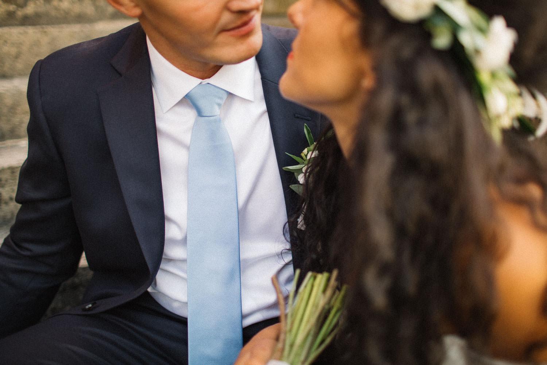 Foto på brudgums slips från John Henric.