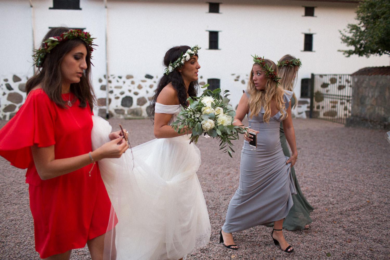 Brud med vänner. Fest på Trolleholms slott i Skåne.