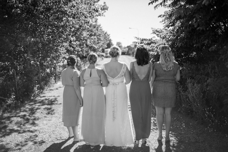 Bröllop i Smygehamn. Frisyrer gjorda av Headon, Malmö. Foto: Tove Lundquist, bröllopsfotograf Malmö.