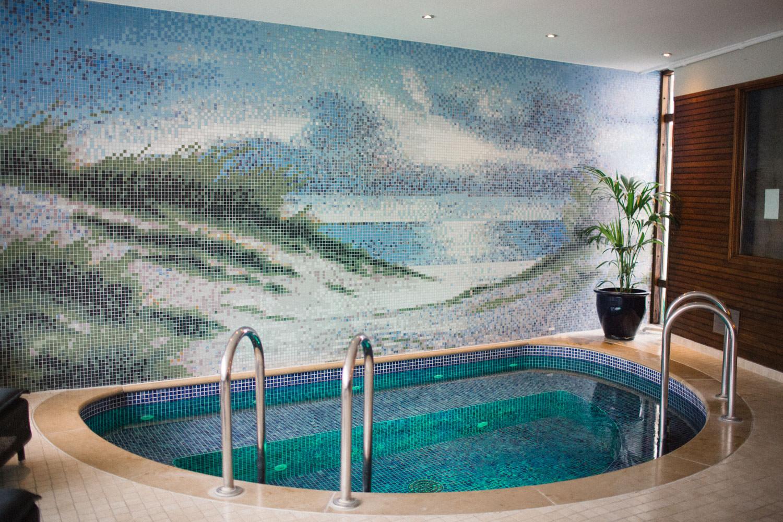 Bild på den varma poolen på Spa, Hotell Gässlingen, Skanör.