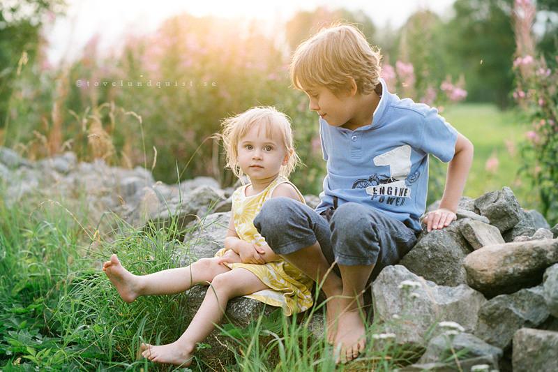Familjefotograf Österlen erbjuder lifestyle fotograferingar tillsammans med er familj.