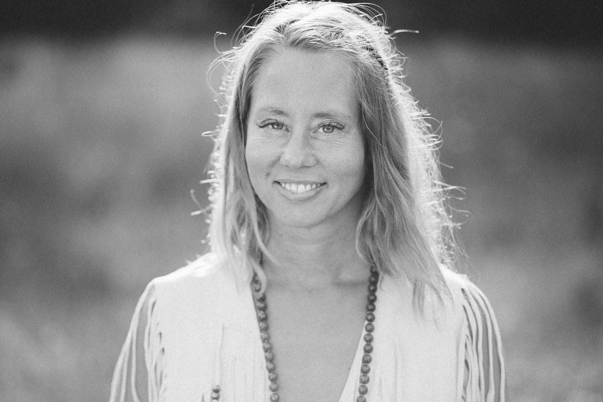 Porträtt på smyckesdesignern Johanna Stjerndahl från Stjernhem Design. Foto: Tove Lundquist, fotograf i Malmö, Skåne län.