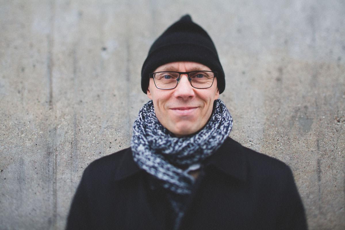 Porträttfotografering i Malmö i stadsmiljö. Foto: Tove Lundquist.