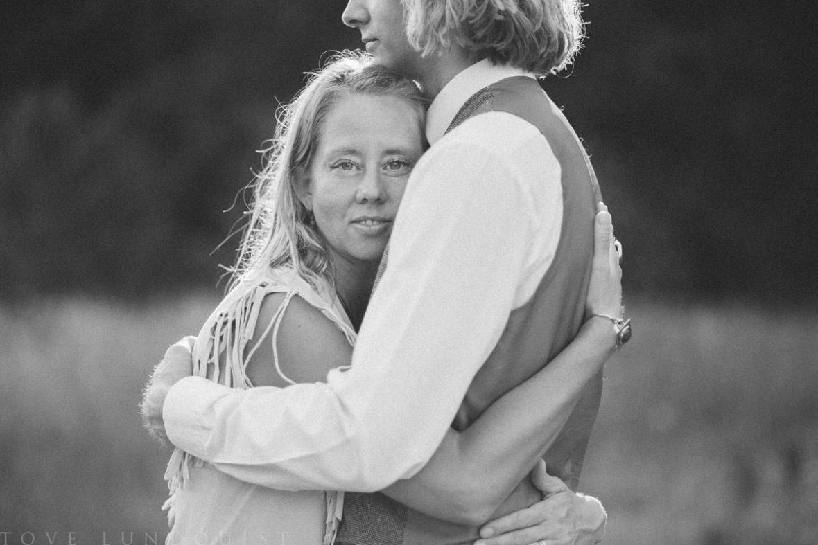 Beloved kärleksfotografering, Moment Design, tillsammans med fotograf Tove Lundquist samt smyckesdesignern Johanna Stjerndahl från Stjernhem Design.