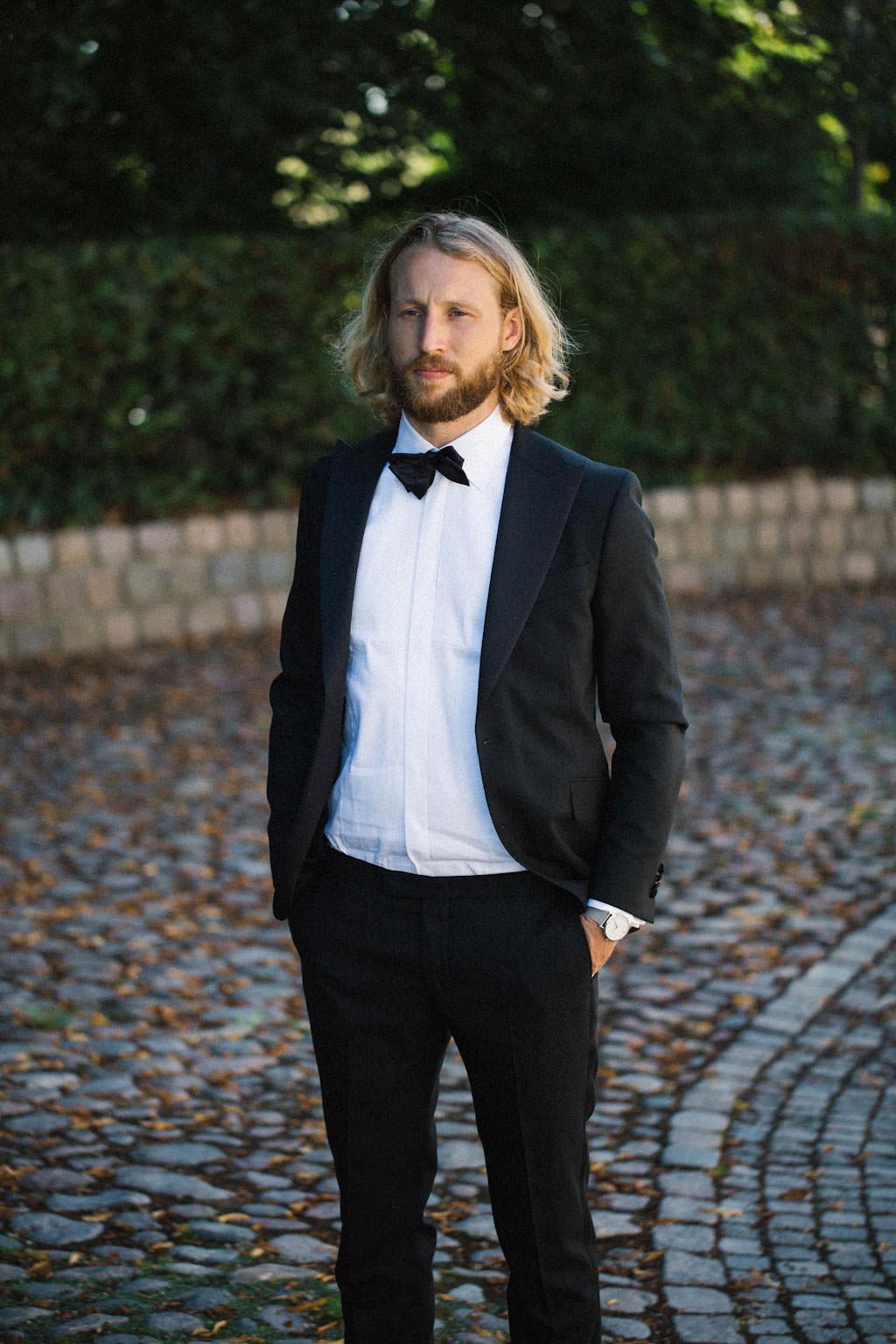 First Look vid bröllop, Kafferosteriet på Österlen - Örum 119. Foto: Tove Lundquist, bröllopsfotograf Österlen.
