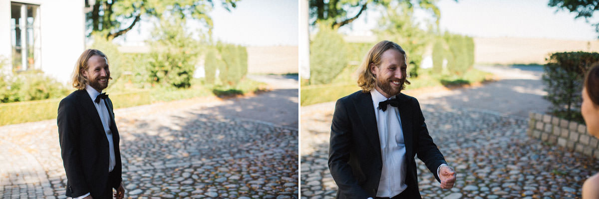 First Look vid bröllop, Kafferosteriet på Österlen. Foto: Tove Lundquist, bröllopsfotograf Österlen.