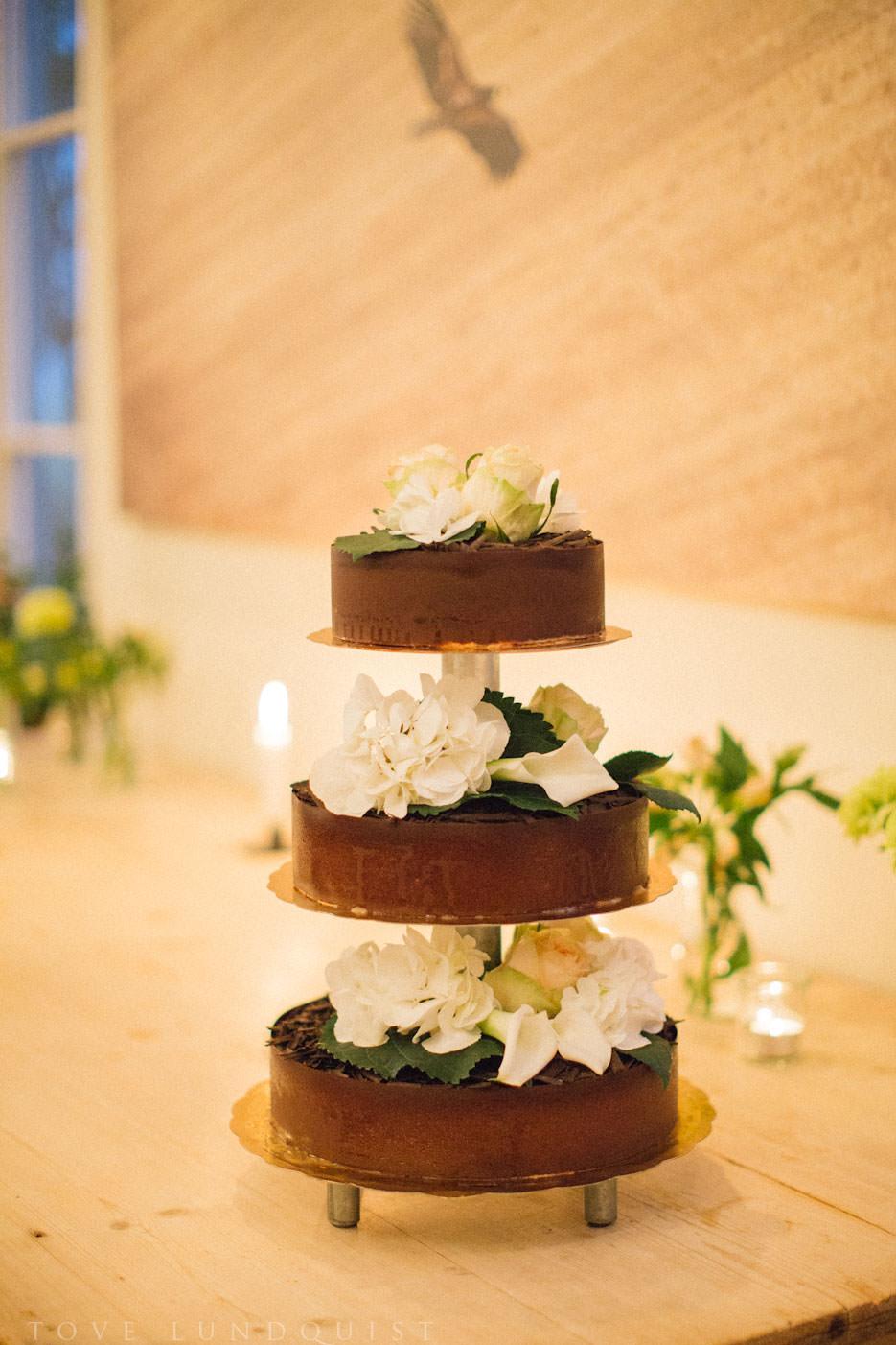 Tårta från Olof Viktors, Skåne. Foto: Tove Lundquist, verksam bröllopsfotograf Skåne.