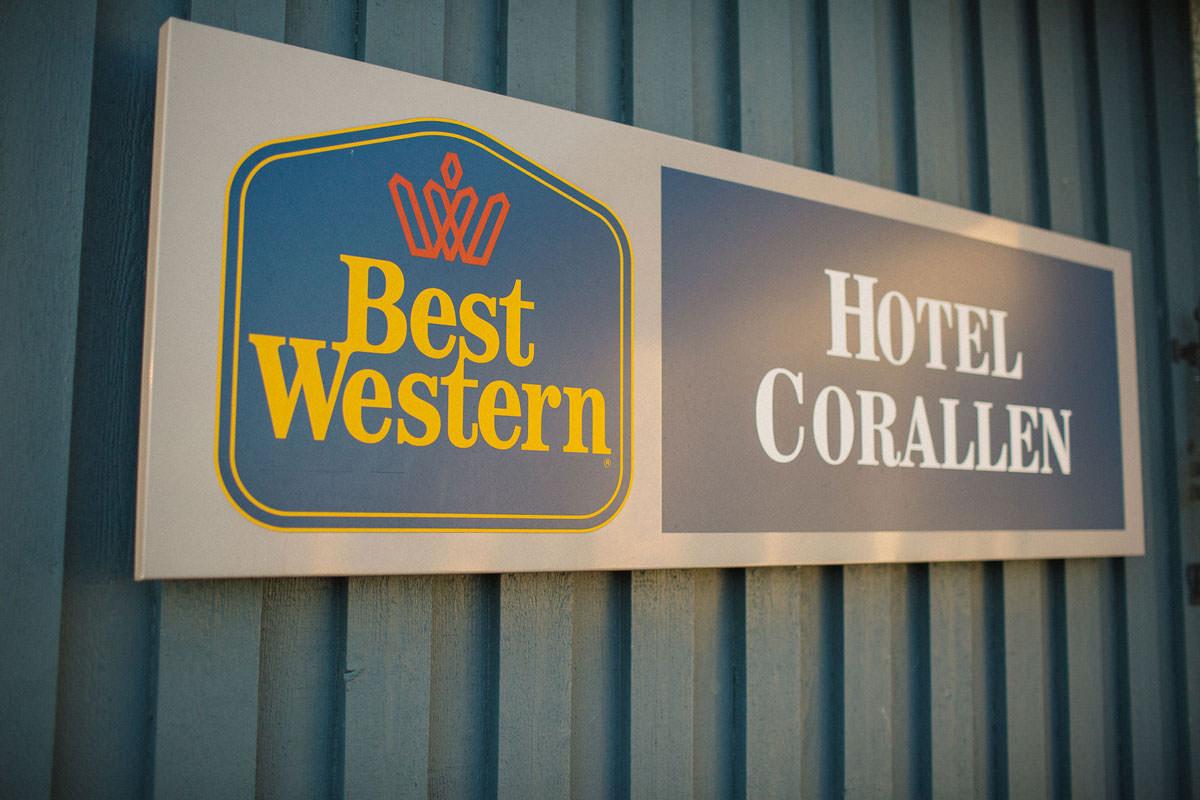 Skylt på Hotell Corallen.