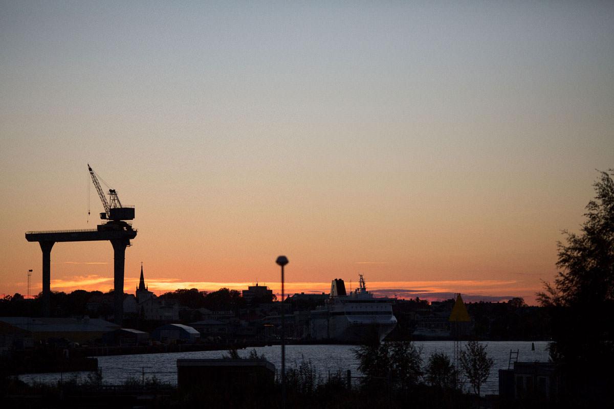Vy vid solnedgång från Hotell Corallen.