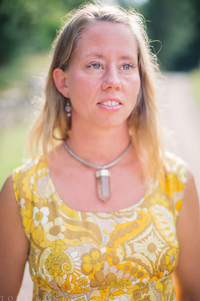Johanna Stjerndahl är vigselförrättare i Höörs kommun, Skåne och riktar in sig mot alternativa utomhusviglsar.