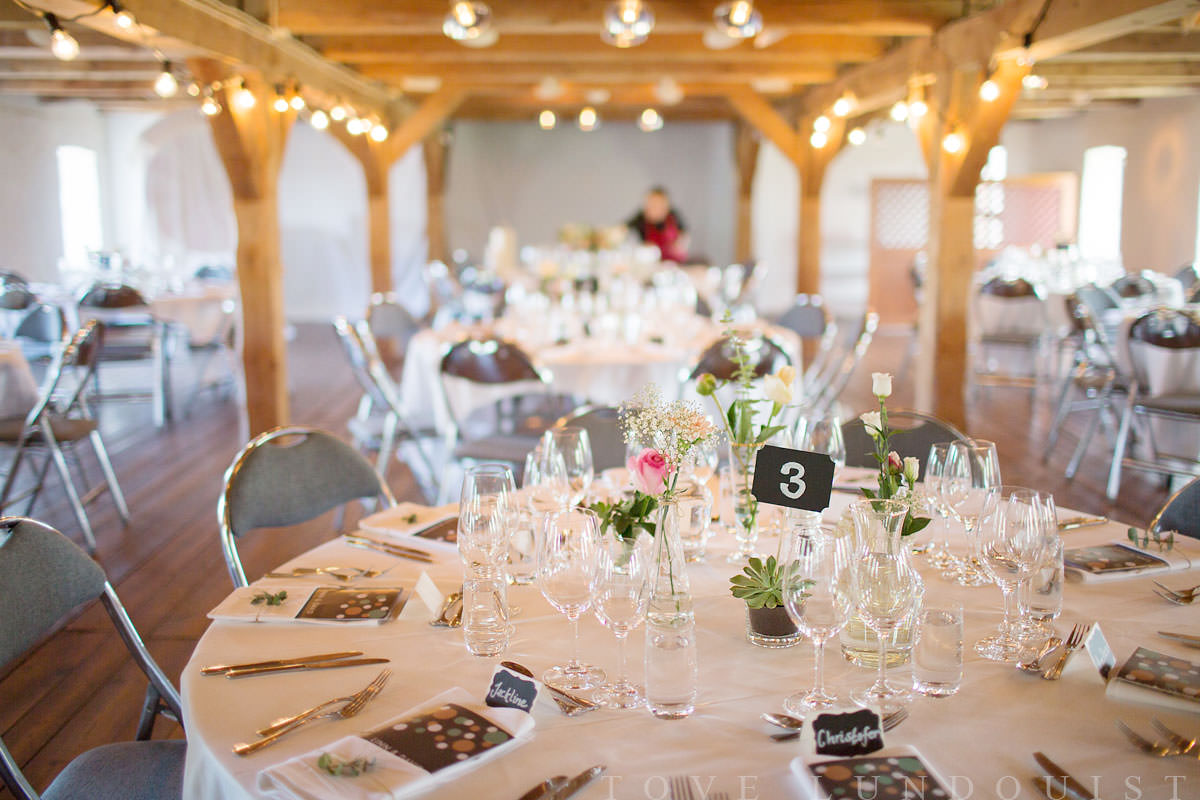 Bröllopsdukning på Marsvinsholms Slott, Ystad. Foto: Tove Lundquist, bröllopsfotograf Skåne län.