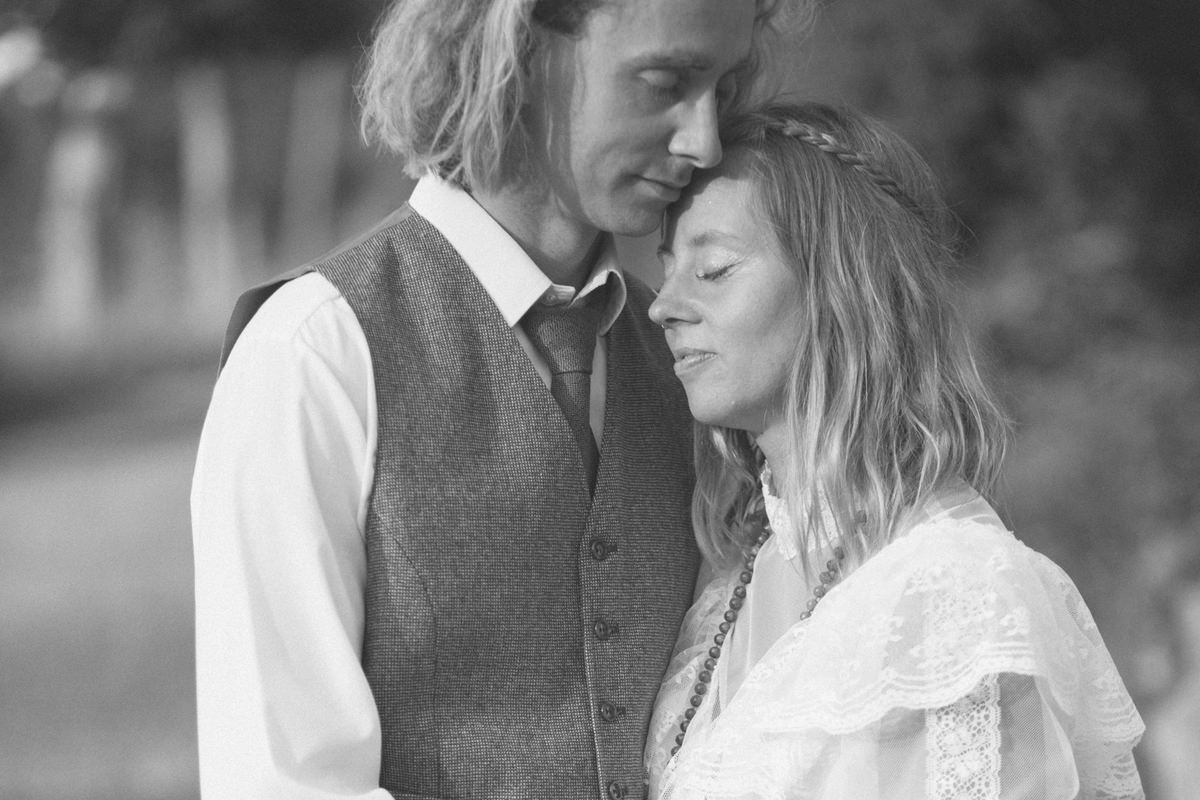 Bohemisk och vintage bröllop, svartvit bild. Foto av Tove Lundquist, bröllopsfotograf i Malmö.