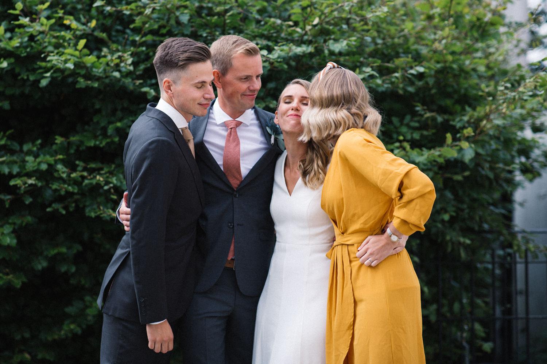 Utomhusbröllop i september på Örum 119 på Österlen i Skåne. Foto: Tove Lundquist.