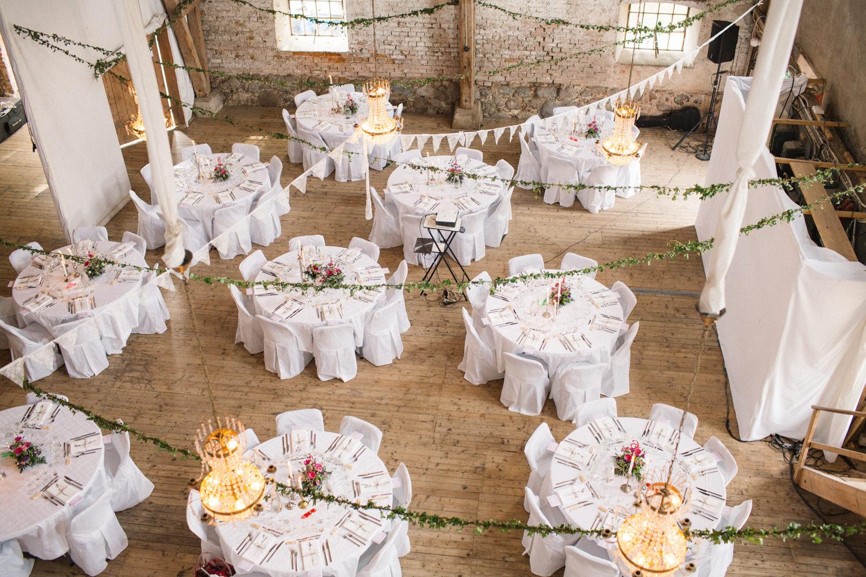 Bröllopsdukning på Borgeby Slott i Skåne. Fotograf är Tove Lundquist.