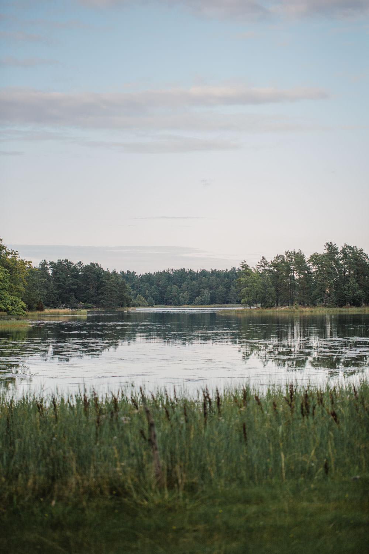 Färgbild på vatten, Lövö i Småland